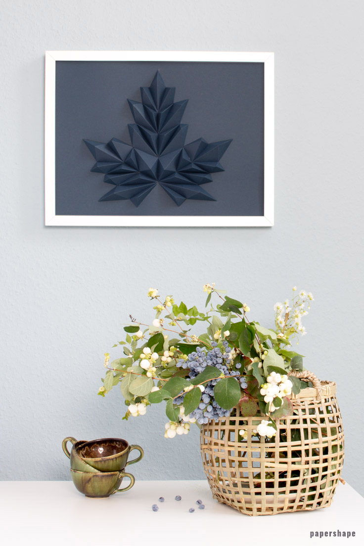 fall craft: 3d maple leaf as cool wall decor - free template #papershape