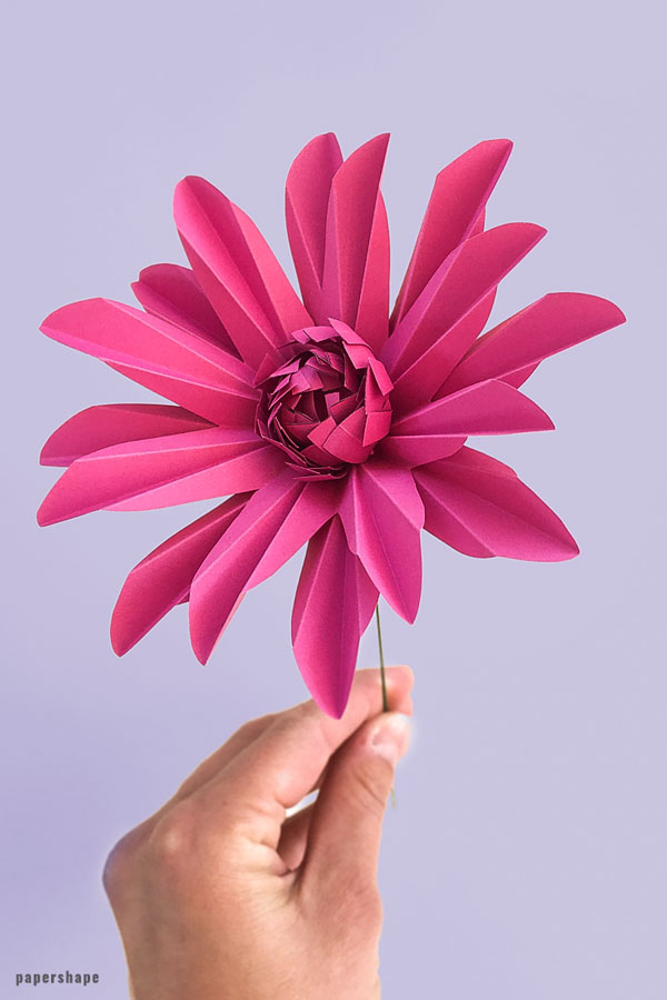 Learn how to make paper daisy #paperflowers #papercraft #mothersday