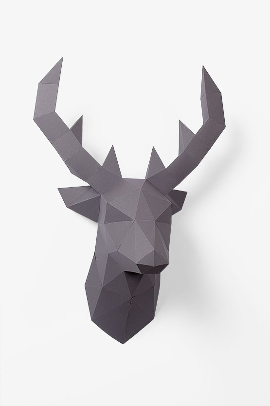 DIY Wall deco: paper deer trophy. This wall trophy is super fun and super easy to assemble | PaperShape #papercraft #diypaper #papertrophy