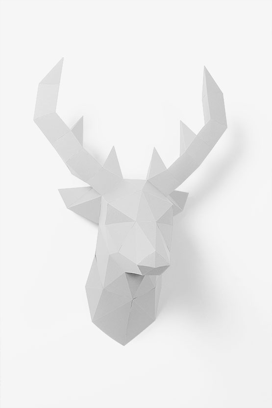 DIY Wall deco: 3d paper deer trophy. This wall trophy is super fun and super easy to assemble | PaperShape #papercraft #diypaper #papertrophy