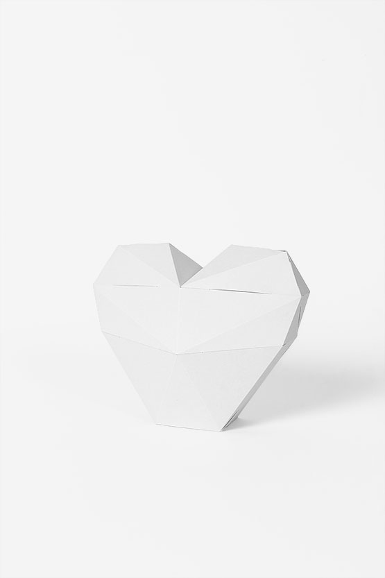Deco 3d heart from paper. Super easy to craft with no glue. You can use it as a gift or geometric heart box | PaperShape #heart #papercraft